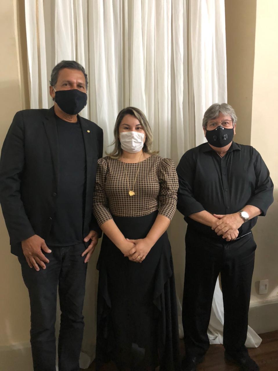 Prefeita Lili se reúne com o Governador João Azevedo e o Deputado Ricardo Barbosa por mais benefícios para o Município.